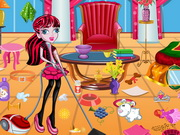 Draculaura Mansion Cleaning
